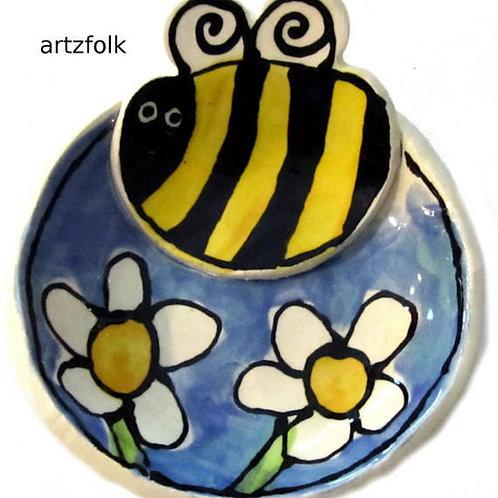 small Handmade Pottery Bumble Bee and daisy art Bowl by Artzfolk