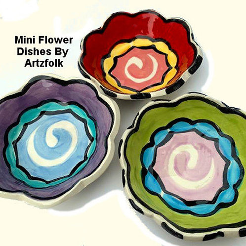 small flower trinket or soap dishes handmade pottery by Artzfolk