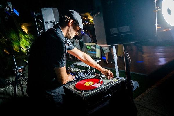 DJ Leeds - Promo Pic 2017.jpg