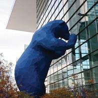 Blue Bear-standbeeld