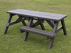 Picnic table - Wheelchair Access.JPG