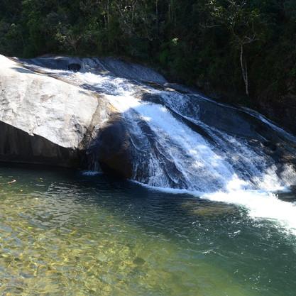 Diversão e Natureza na Cachoeira do Escorrega!