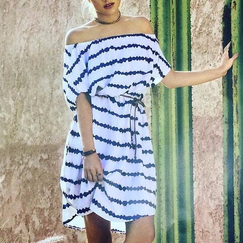 9546 White Off-shoulder dress