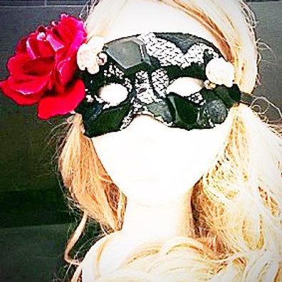 Black Lace beaded mask