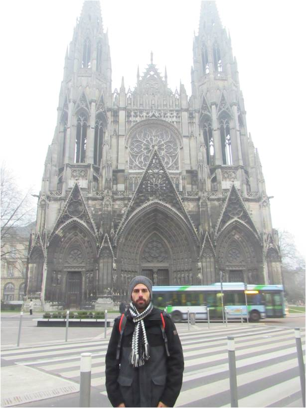 Em Rouen.