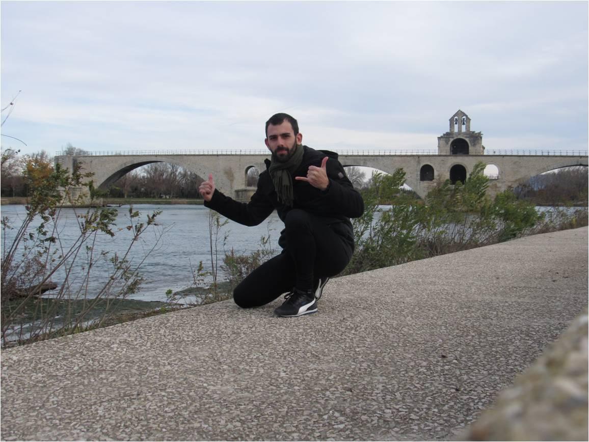 Em Avignon.