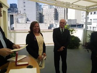 Gertrudes Bertinet recebe medalha da Ordem das Palmas Acadêmicas