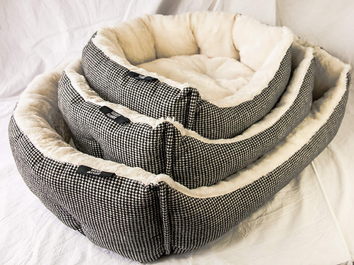 woof and purr houndstooth bed