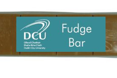 DCU Vanilla Fudge Bar 100g