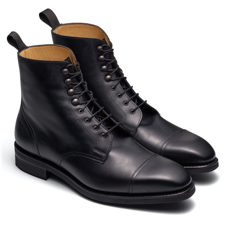 LACES UP BOOTS