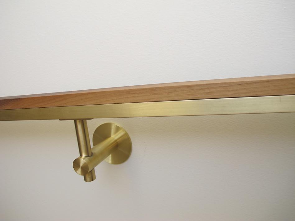 522 R Brass