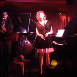 Singing at the Manderley
