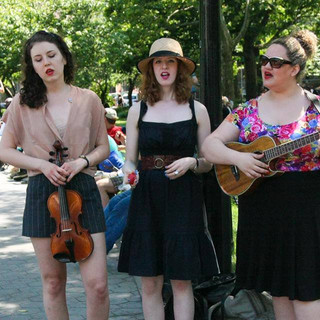 The Shirtwaist Sisters playing WSP