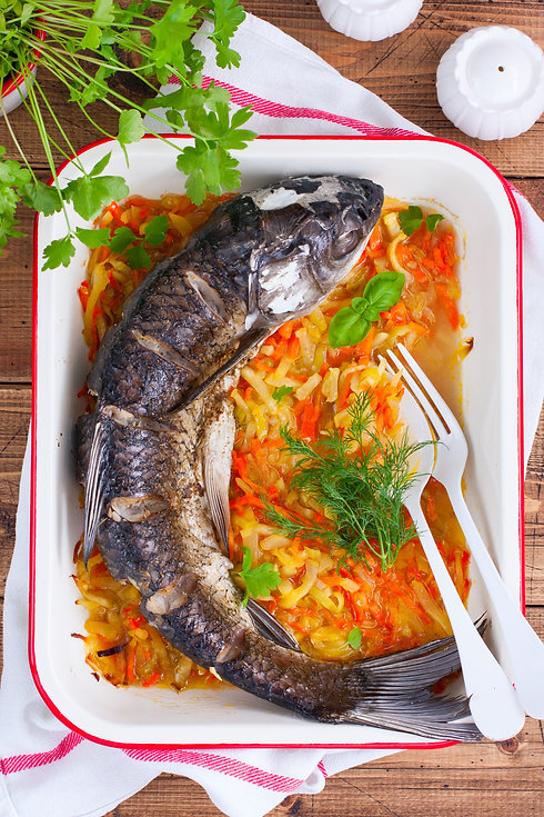 Baked grass carp with enameled vegetable