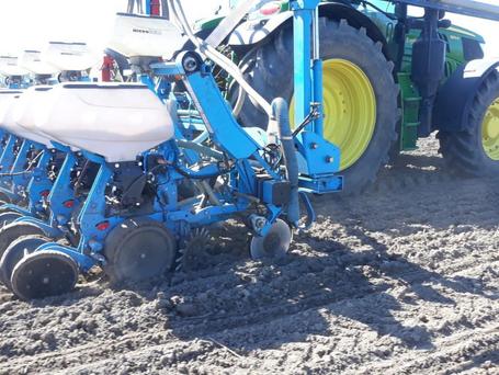Precision Planting : Débit de chantier renforcé et augmentation des rendements chez l'ETA Le Lay