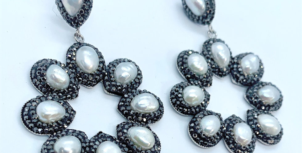 Halo's - Black and Pearl
