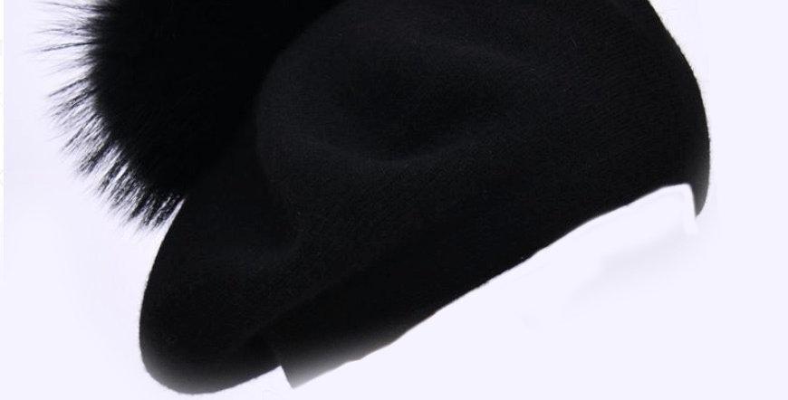 Beret with PomPom - Black