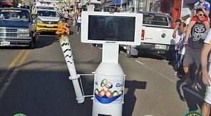 Robô R1T1 Carregando a Tocha Olímpica - RIO 2016