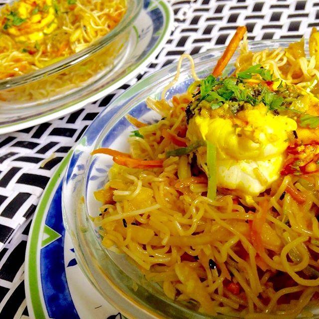 Salada de Bifum com camarão #teresabistro #foodporn #instafood