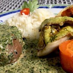 Tornedor ao Molho de Ervas e Pimenta Verde com Ratatouille #food #instafood #teresabistro