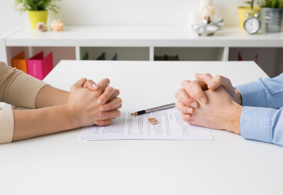 The Complete Guide to Selling Your Home During a Divorce