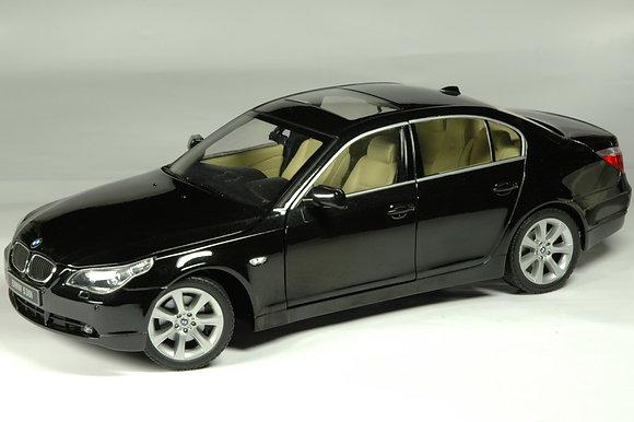 BMW 530i - black sapphire