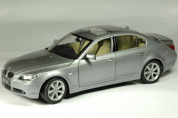 BMW 530i - silver grey