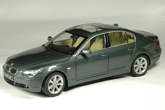 BMW 530i - titanium grey