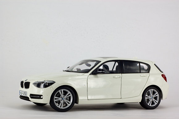 BMW 1 Series - 1:18 Mineral White