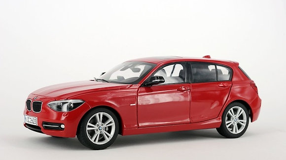 BMW 125i - 1:18 CRIMSON RED