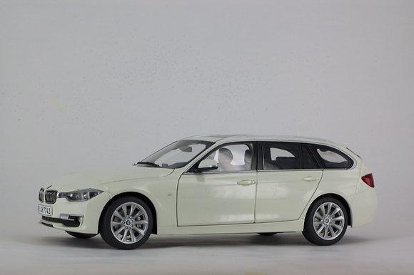 BMW 3 Series Touring - 1:18 Alpine White