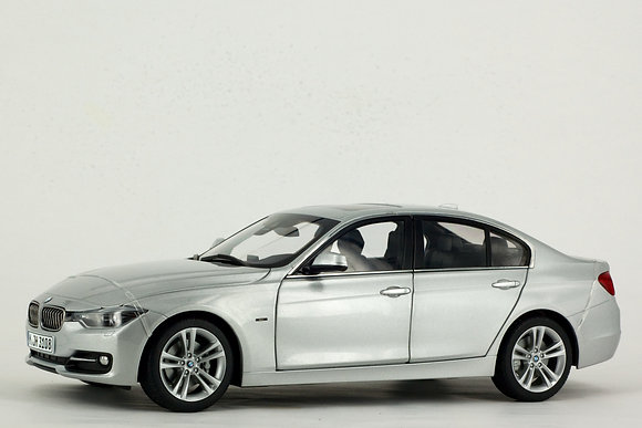 BMW 3 Series 1:18 Scale Glacier Silver