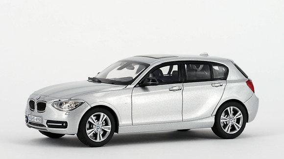 BMW 125i - 1:43 GLACIER SILVER