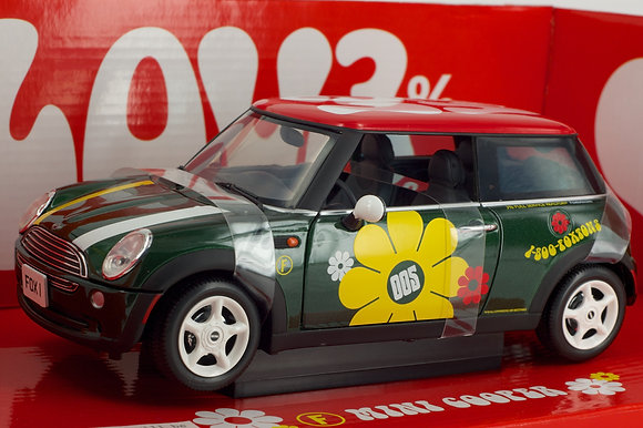 Mini Cooper - Foxtons Limited Edition 1:18