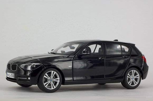 BMW 1 Series - 1:18 Black Sapphire