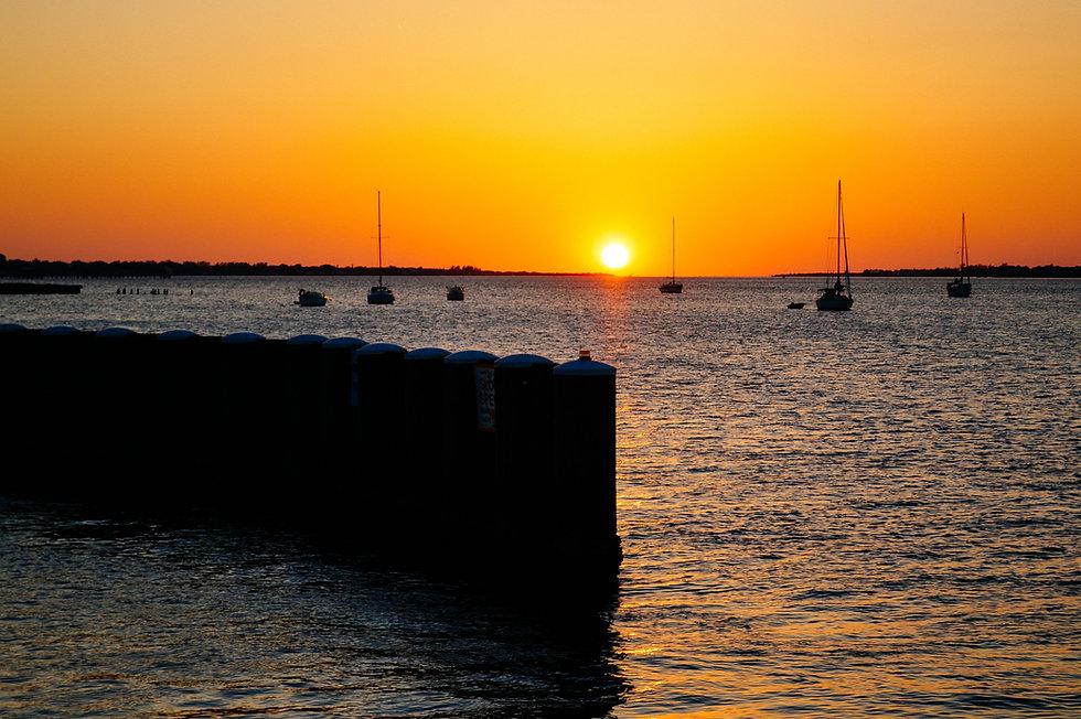 sunset-4886485_1920.jpg