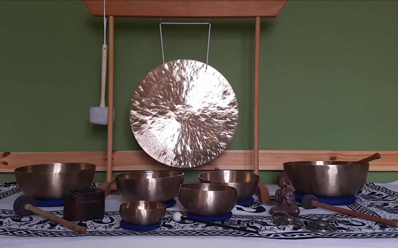 Fen Gong und Klangschalen