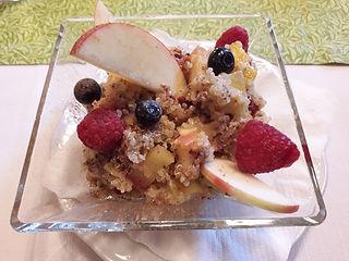 basisches Frühstück mit Hirse und Obstsalat
