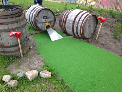 vaten hindernis adventure golf.JPG