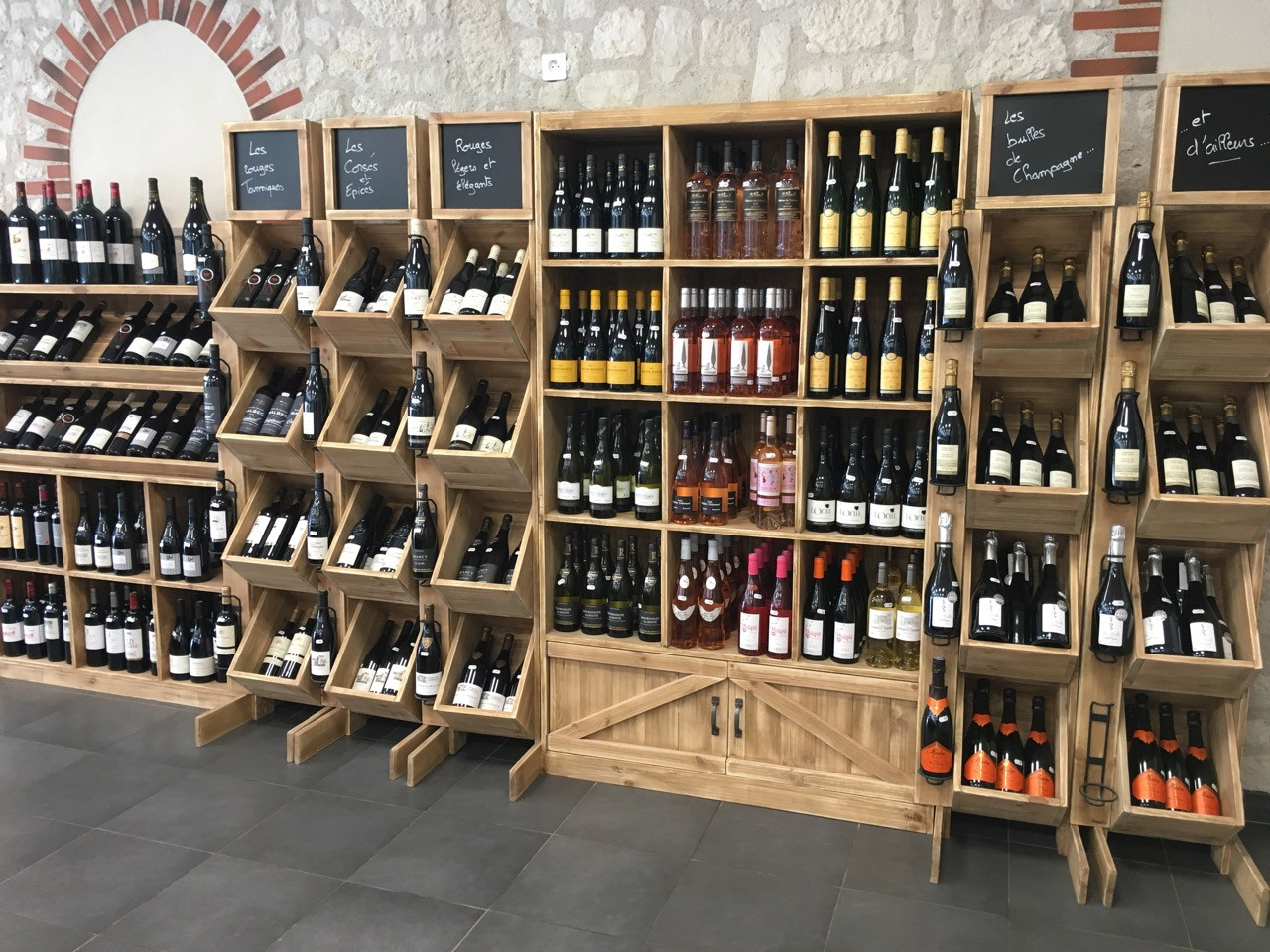 Présentoirs des vins de France