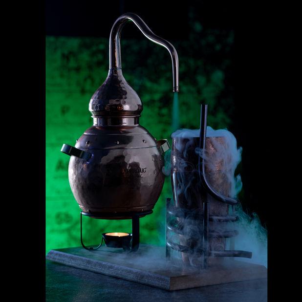1x1_Destiller_Cocktails&Bar_Website.jpg
