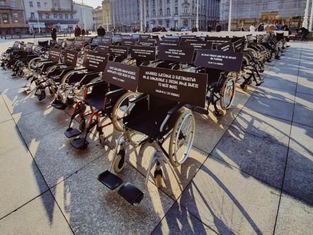 Sto invalidskih kolica na Trgu bana Jelačića nose teške sudbine