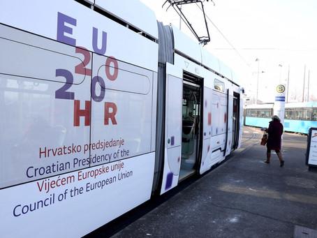 Uz plave, Zagrebom odnedavno vozi i bijeli tramvaj