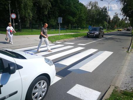 3D zebra koja usporava automobile..