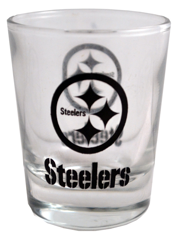A nice looking Steelers shot glass, a great gift to kick off the football season with this 2 OZ shot glass.