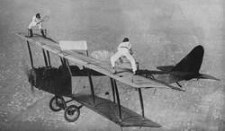 stunt-tennis_airplane-1200x704