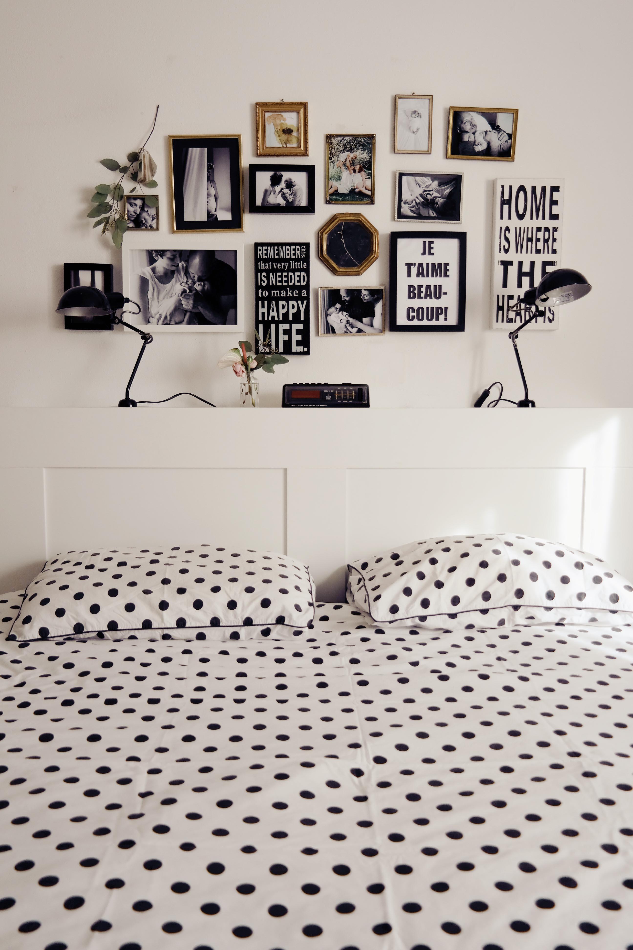 quadretti in camera da letto