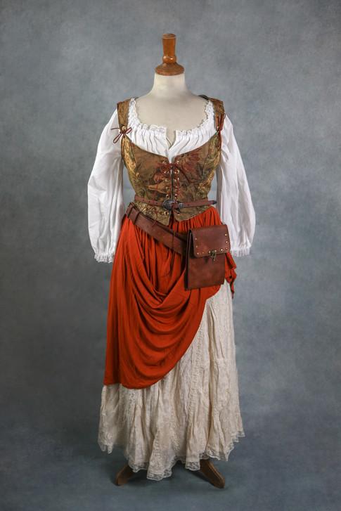 Taille 34 au 42 pour le haut Taille 3 au 38-40 pour le bas  Toutes les pièces de ce costumes  peuvent être mixées avec d'autres éléments.