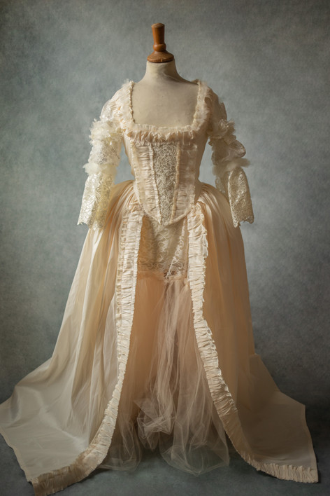 Robe inpiration Marie-Antoinette blanche