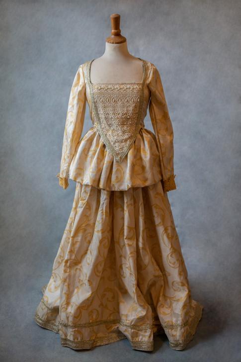 Robe d'époque crème inspiration historique